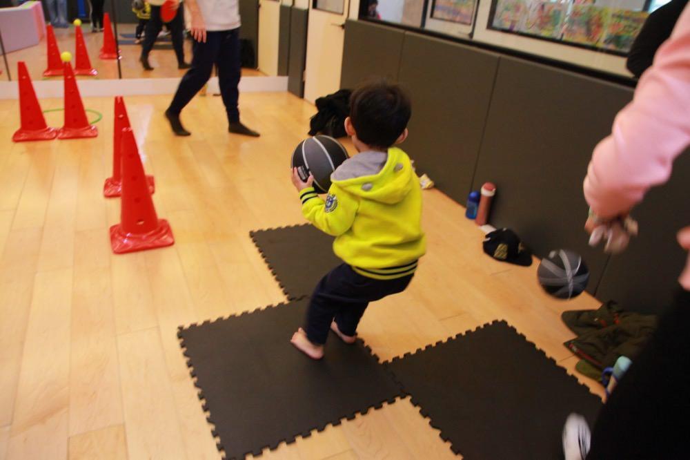[幼兒美語運動課程]小孩適合雙語全美語幼稚園嗎?推薦大安區GDS Play 雙語運動課程