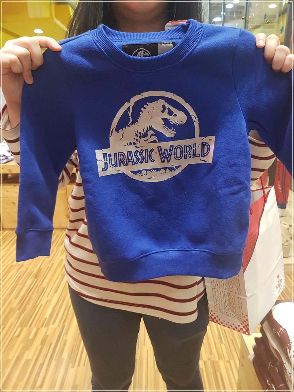 在拍手買了侏羅紀公園的恐龍童裝,一件250元超划算