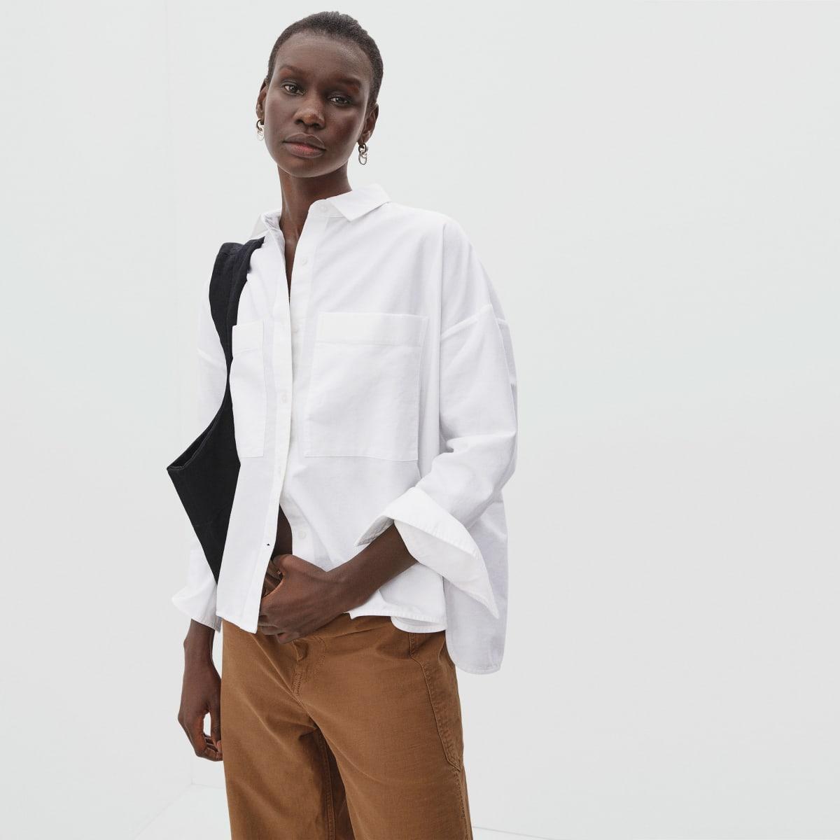EVERLANE 穿搭分享,經典實穿的牛仔褲,重視透明供應鍊、勞工友善與環境永續