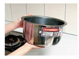 轉錄。《譚敦慈的安心廚房食典》不銹鋼鍋要買304+不銹鋼開鍋教學