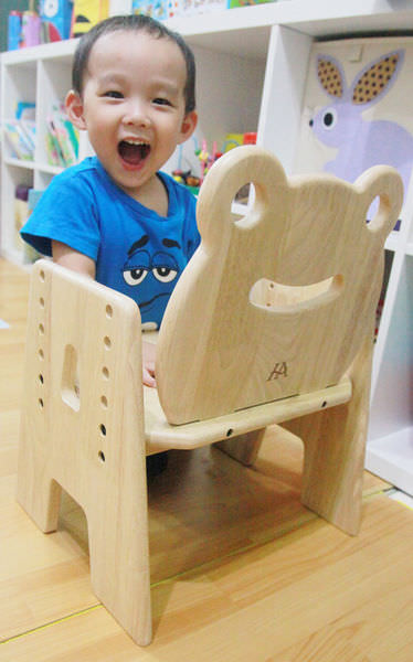 CP值最高的兒童實木桌椅首選-環安傢俱