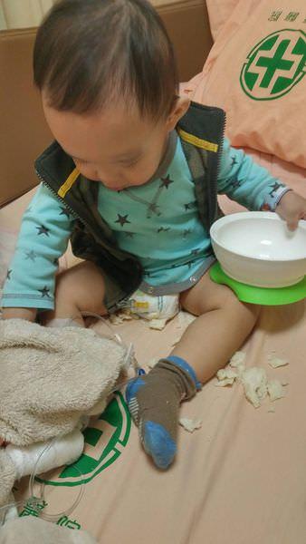 呼吸有喘聲,嚴重有發燒要住院的嬰兒細支氣管炎照顧注意事項