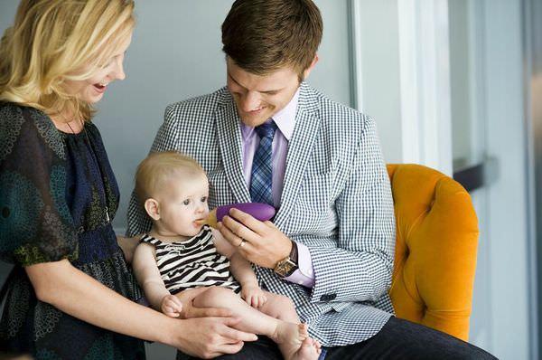 [寶寶]幫新手爸媽度過副食品時期~三款嬰兒餐具比較與推薦:boon 可彎湯匙/boon擠壓式餵食器/阿卡將Edison米奇叉匙組
